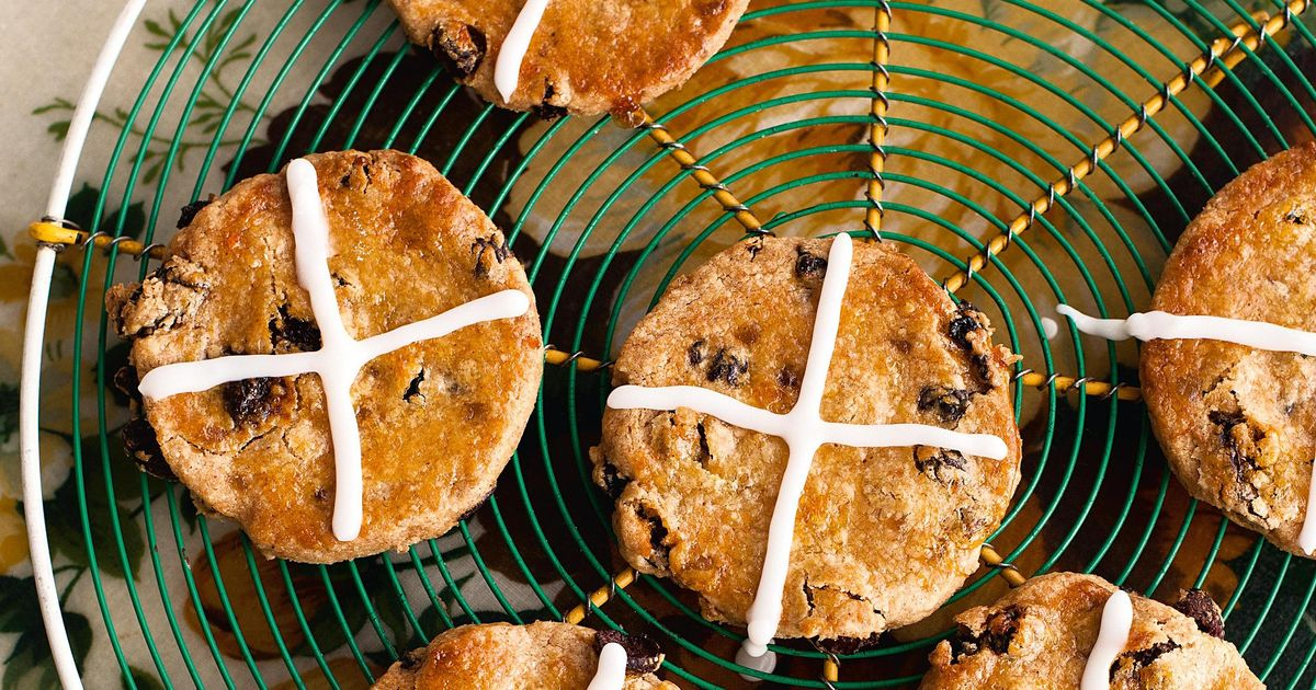 Hot Cross Biscuits - The Happy Foodie