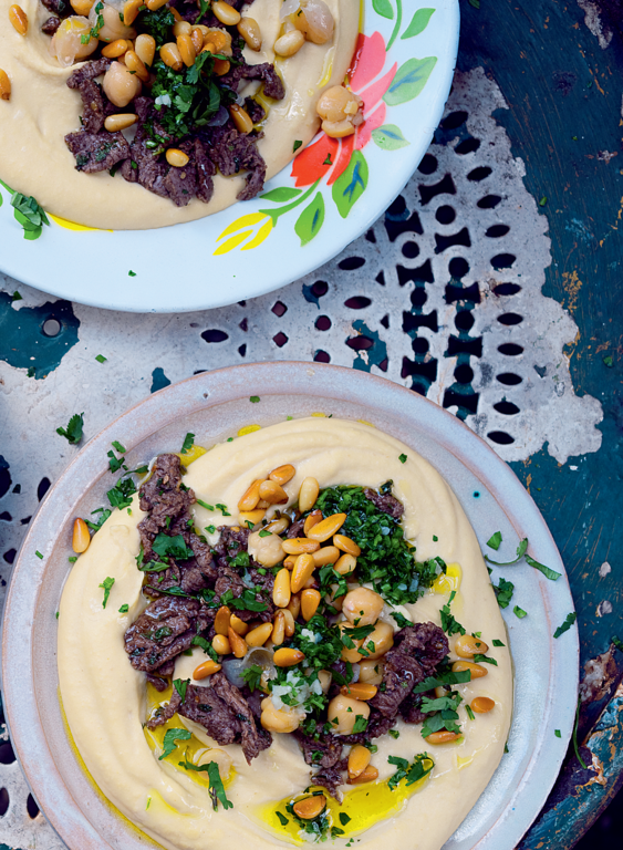 Hummus kawarma (lamb) with lemon sauce