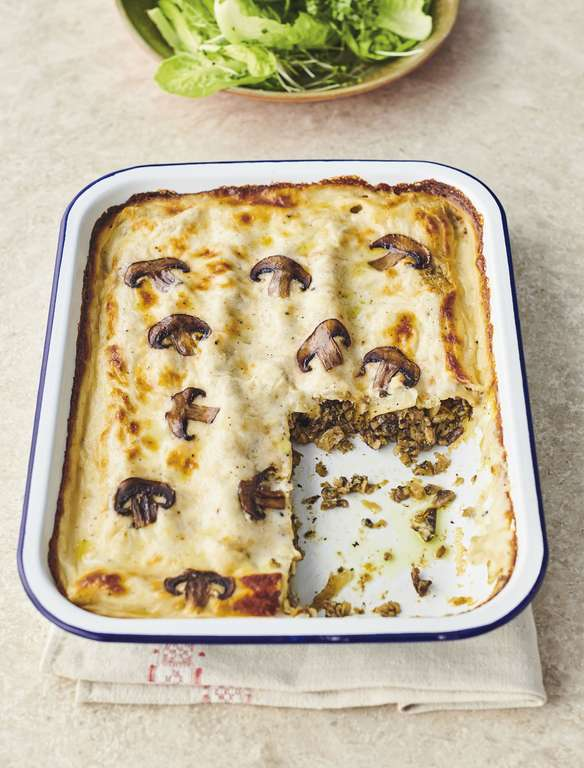 Jamie Oliver's Mushroom Cannelloni with Sweet Leeks, Onions and Creamy Cheddar Cheese Sauce