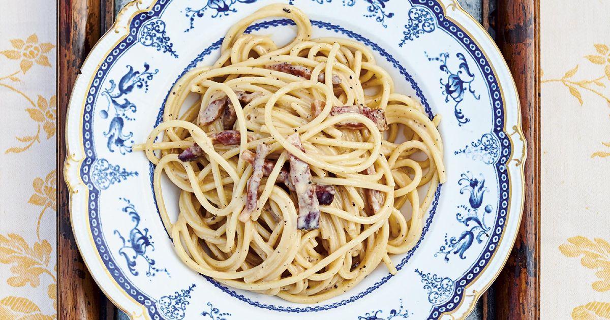 Jamie Oliver S Classic Carbonara Recipe Jamie Cooks Italy