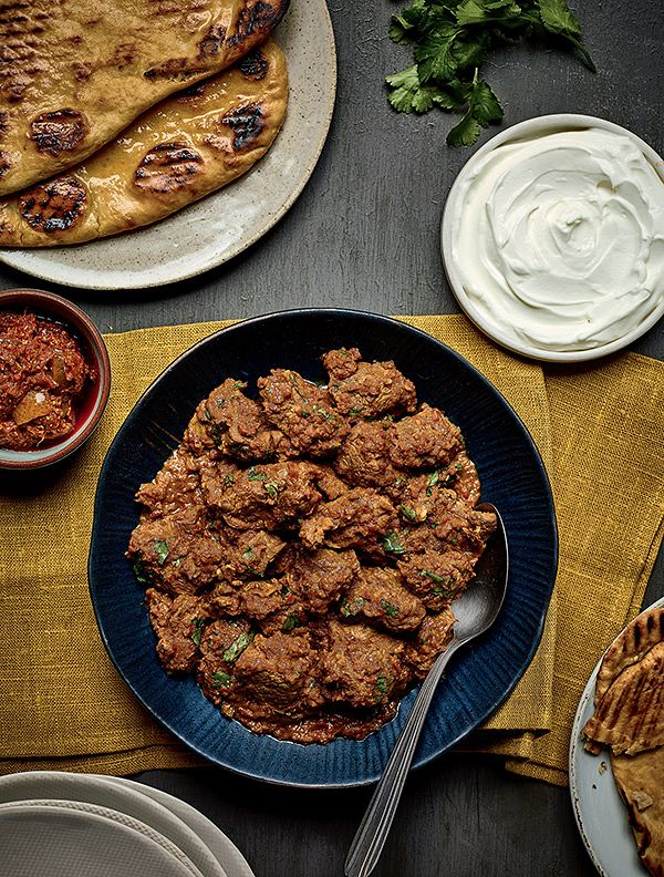 Nadiya's Lamb Bhuna with Garlic Naan