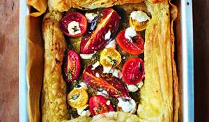 Tomato, pesto and goat's cheese tart