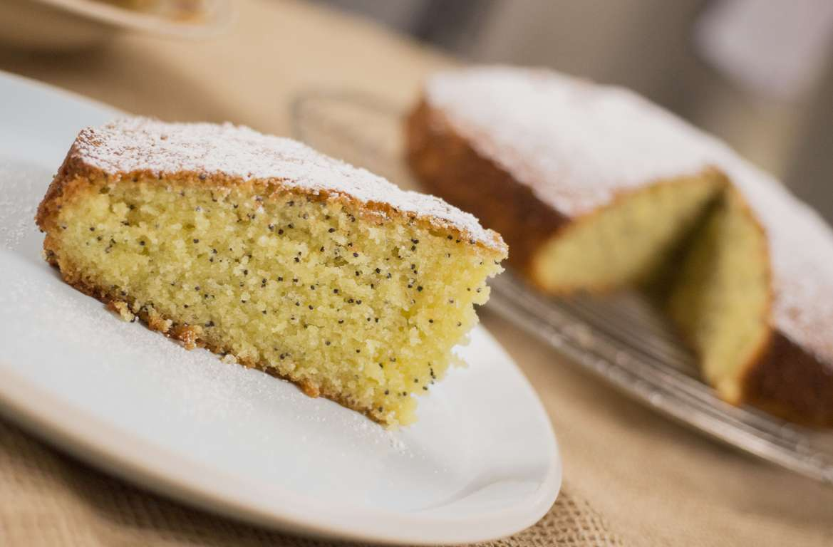 Poppyseed and Lemon Cake