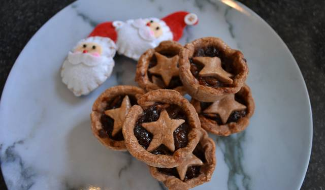 Christmas Pies.Easy Christmas Mince Pies With Chocolate Pastry