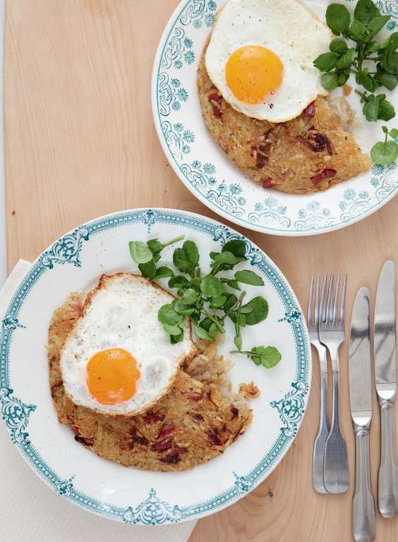Mary Berry's Crispy Bacon Rösti with Fried Egg