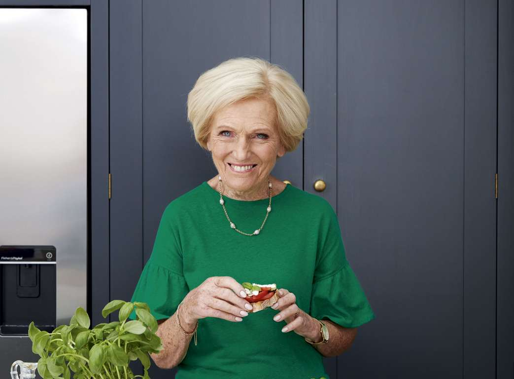 Mary Berry's Artichoke and Garlic Dip