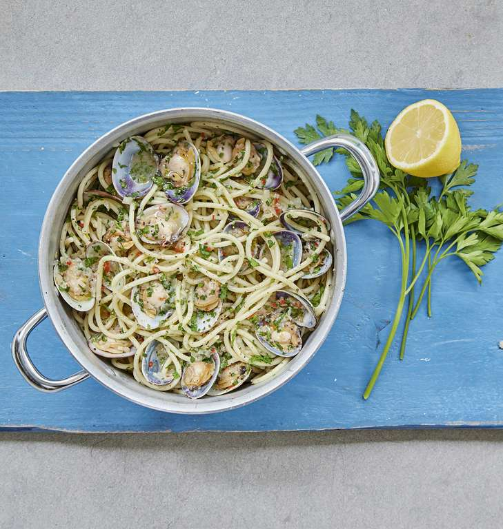 Mary Berry's Spaghetti alle Vongole