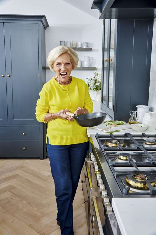Mary Berry's Prawn and Pollock Oaty Herb Crumble