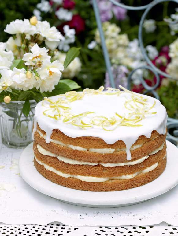 Whole Lemon Cake with Lemon Cheesecake Icing