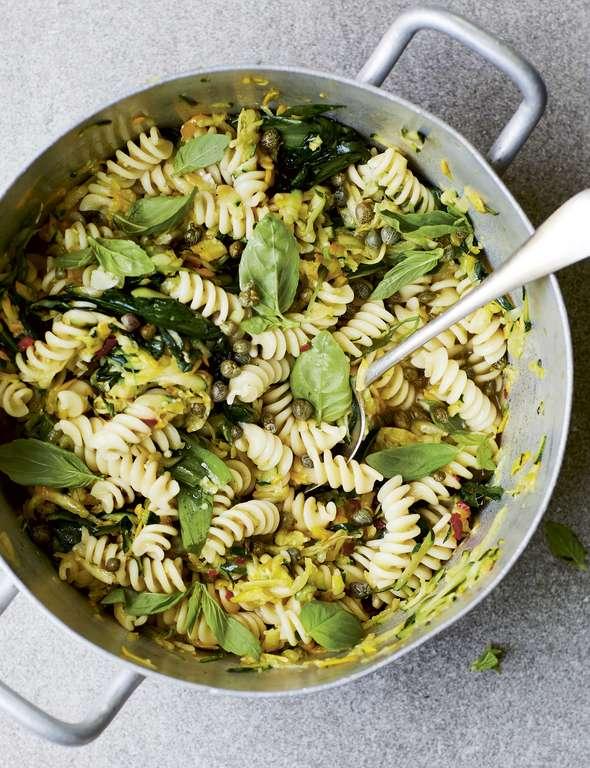 Melissa Hemsley's 'Salsa Verde Style' 12-Minute Courgette, Wild Garlic and Rocket Pasta