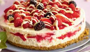 Raspberry Ripple Cheesecake