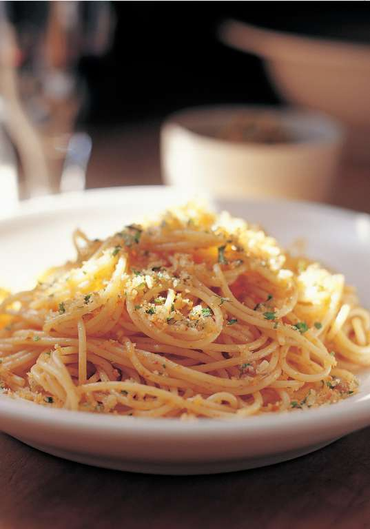 Spaghettini with Anchovies, Parsley and Crisp Breadcrumbs
