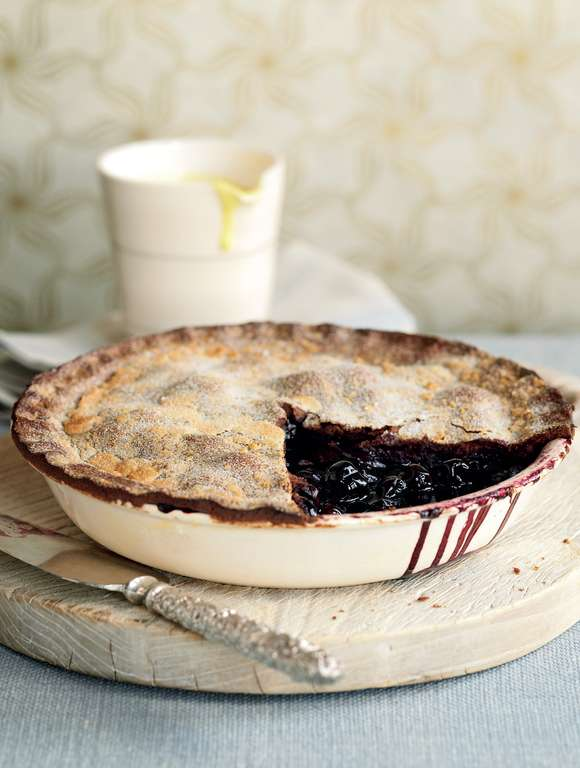 Cherry Pie with Chocolate Pastry