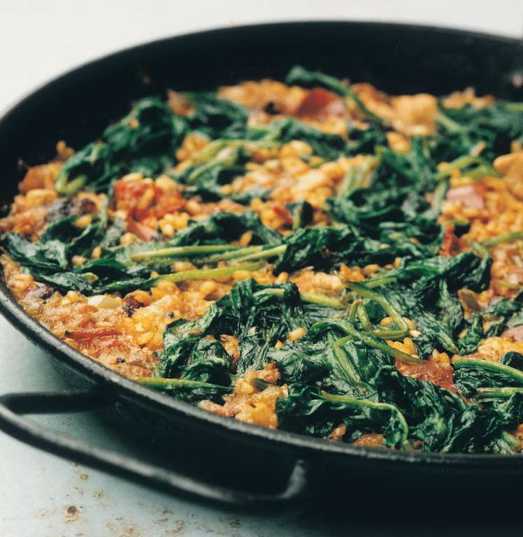 Paella De Cerdo Con Chorizo y Espinaca (Rice with Pork, Chorizo and Spinach)