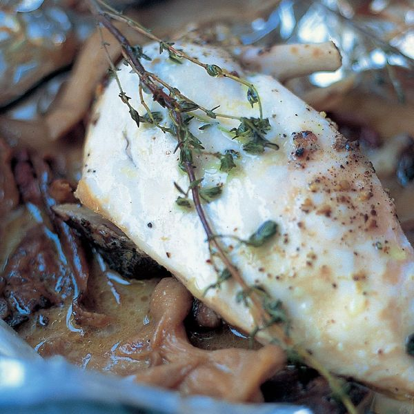 Jamie Oliver S Baked Chicken With Mushrooms White Wine And Thyme Recipe