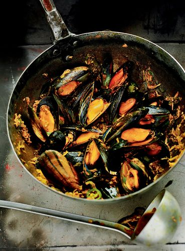 Mussel Masala with Coconut, Ginger and Green Chillies
