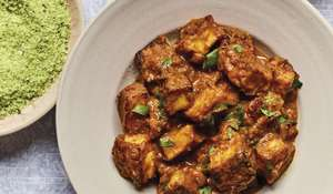 Nadiya Hussain's Vegetarian Halloumi Curry with Coconut Sambal Recipe