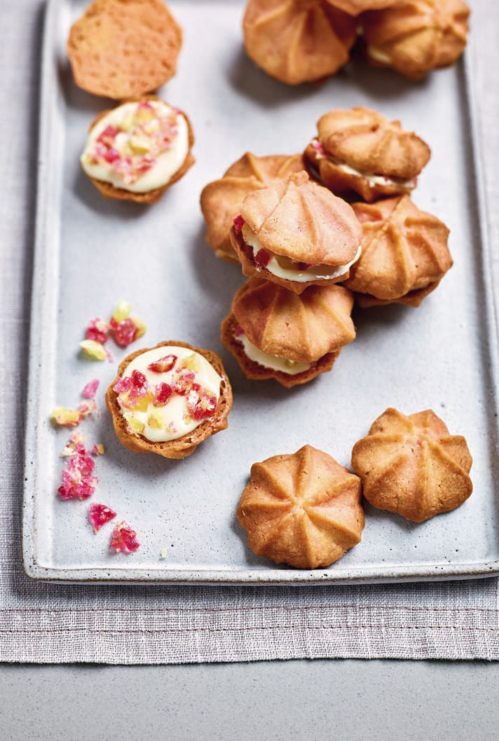 Nadiya Bakes BBC2 Rhubarb and Custard Butter Kisses