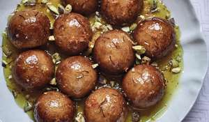 Nadiya Hussain Syrup Sponge Balls Dessert Recipe | Family Favourites