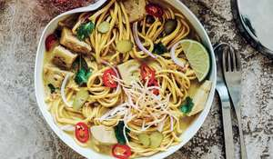 Khao Soi with Green Jackfruit | Vegan Noodle Recipe