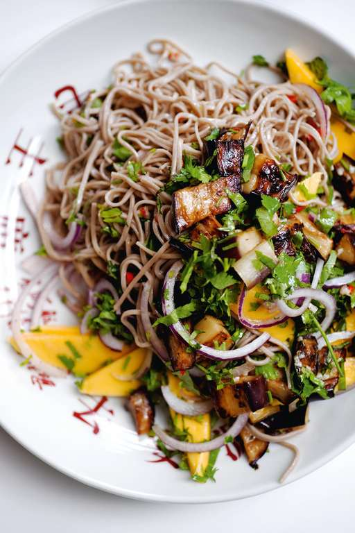 Soba noodles with aubergine and mango