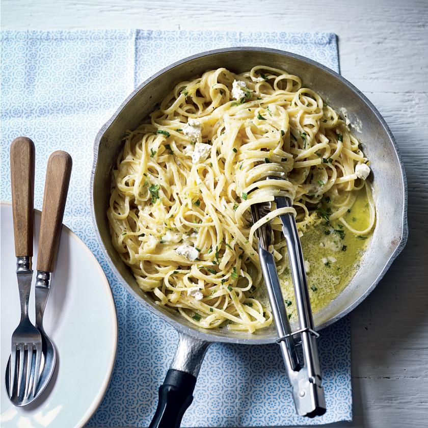 Easy One Pan Meals | Lemon Garlic Pasta