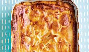 Quick One-tin Chicken, Leek and Chorizo Pie Recipe