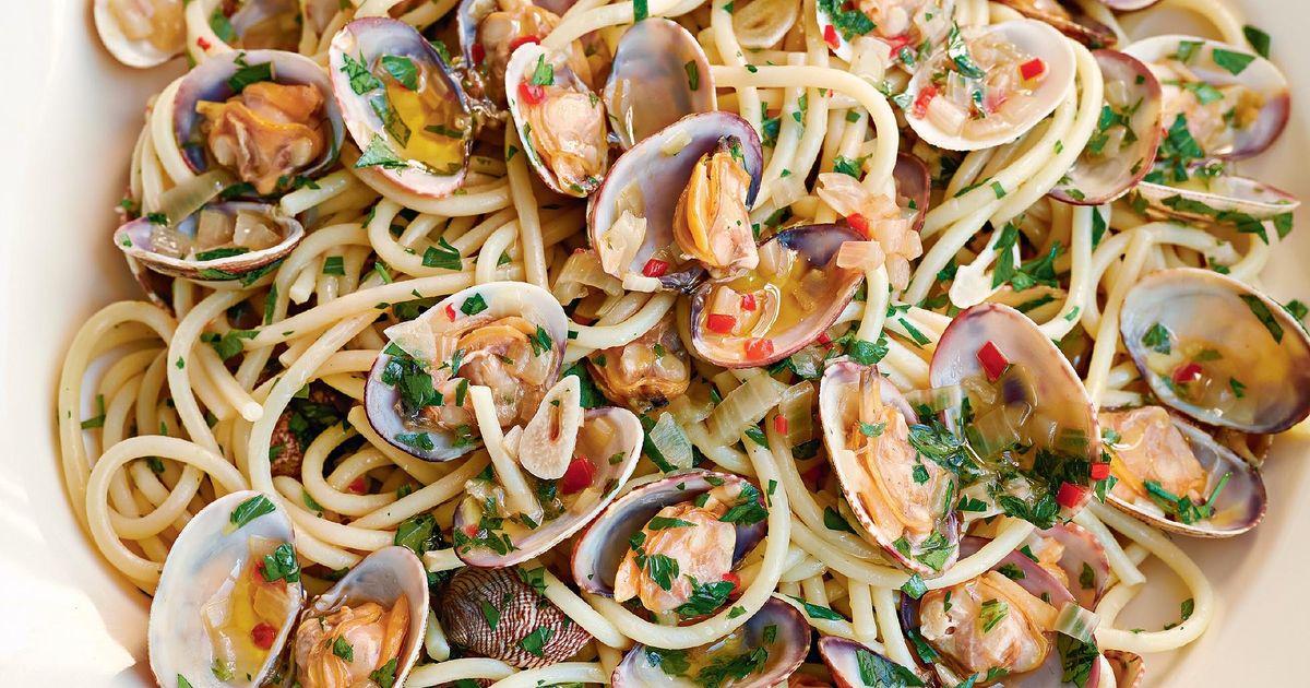 Ricetta Vongole Spaghetti.Spaghetti Alle Vongole Bianco The Happy Foodie