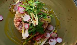 Sumac Tuna and Bulgur Tartare with Wild Rocket and Fennel Salad