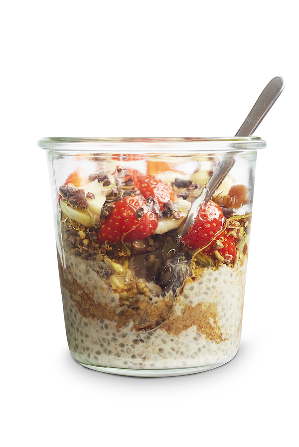 no cook oat breakfasts peanut butter overnight oats banana strawberry superfood breakfasts dk publishing
