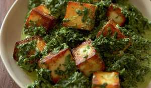 Spinach with Paneer (Saag Paneer)