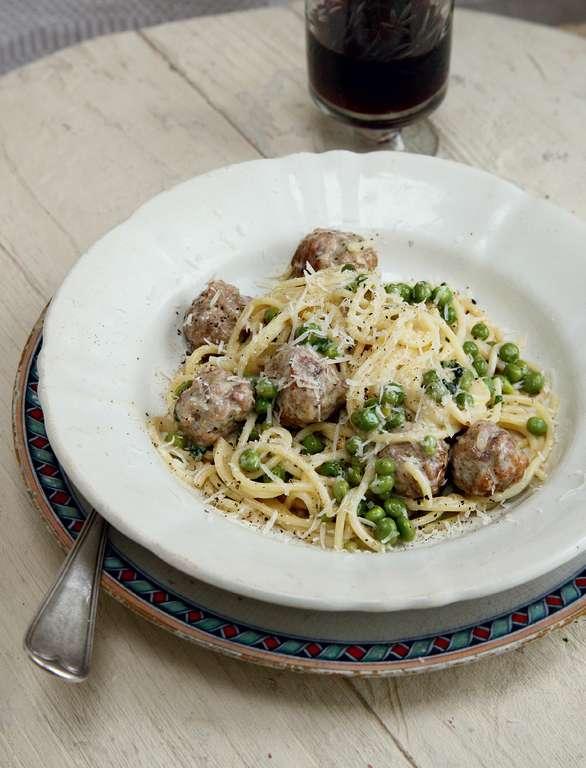 Spaghetti with Polpettine, Prosciutto and Peas