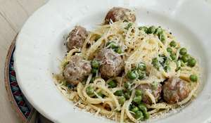 Spaghetti with Polpettine, Prosciutto and Peas
