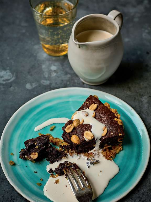 Crispy Chocolate and Salted Peanut Tart