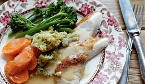 Pressure-Cooker Christmas Chicken Recipe with Xmas Stuffing