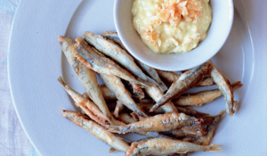 Crispy-coated Whitebait with Quince Aioli