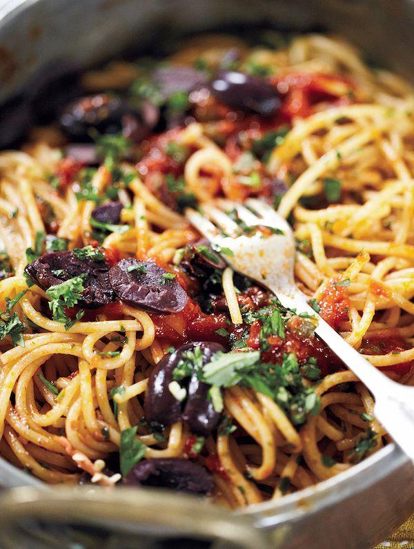 Easy Store Cupboard Recipes | Quick Pasta Puttanesca