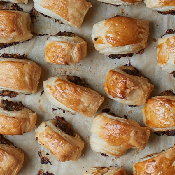 Wellington sausage rolls the happy foodie for Sausage roll recipe uk