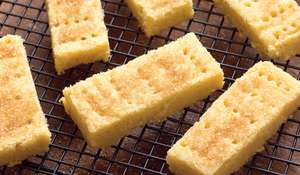 Mary Berry Easy Homemade Shortbread Recipe with Flour & Butter