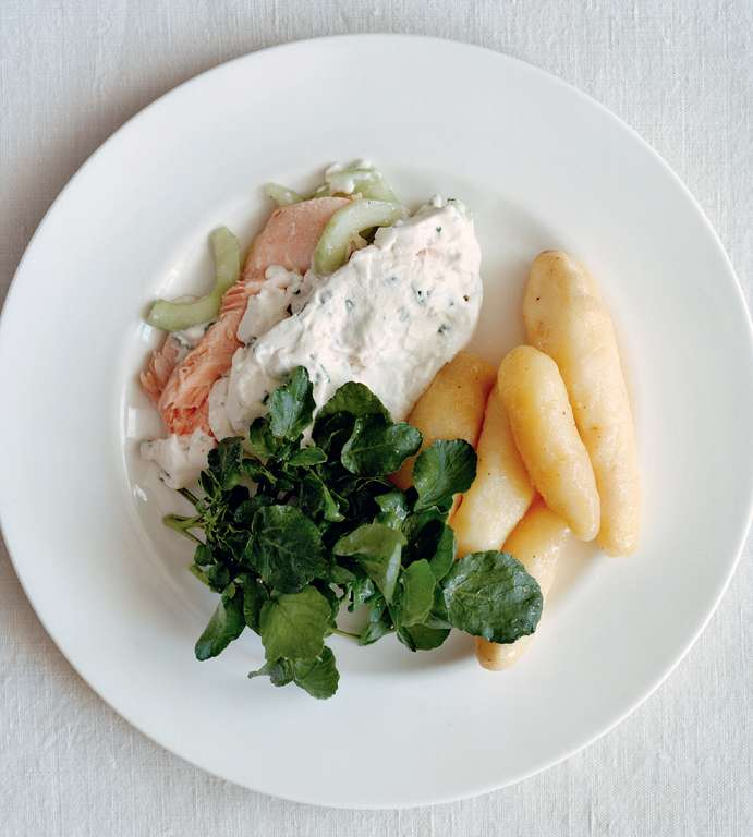 Poached Salmon with Cucumber, Chives and Cream