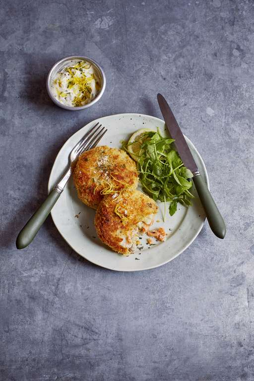 Smoked Salmon and Horseradish Fish Cakes with Garlic and Lime Mayo