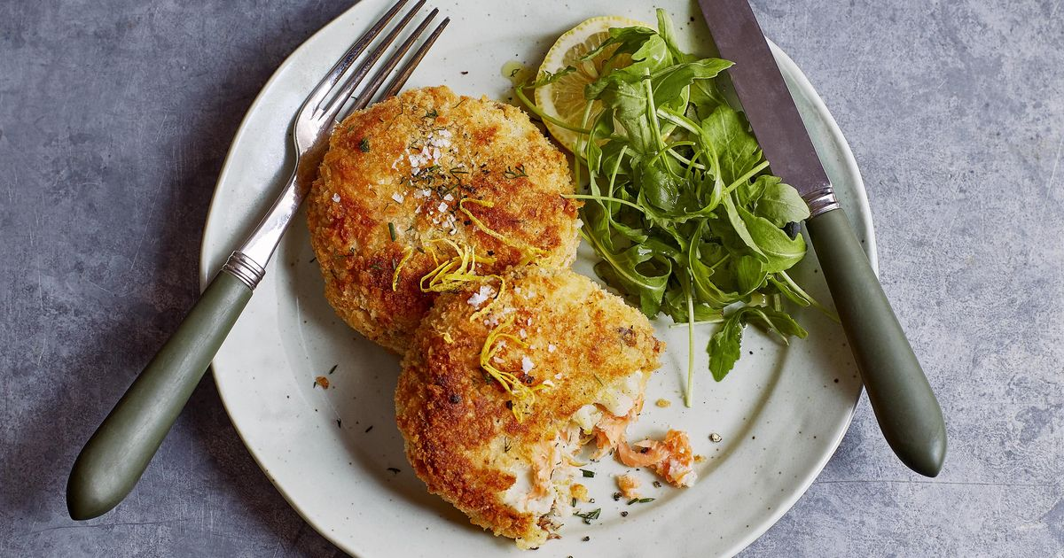 Salmon Fish Cake Recipe Jamie Oliver: Smoked Salmon And Horseradish Fish Cakes With Garlic And