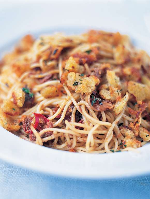 Spaghetti with Anchovies, Dried Chilli and Pangritata