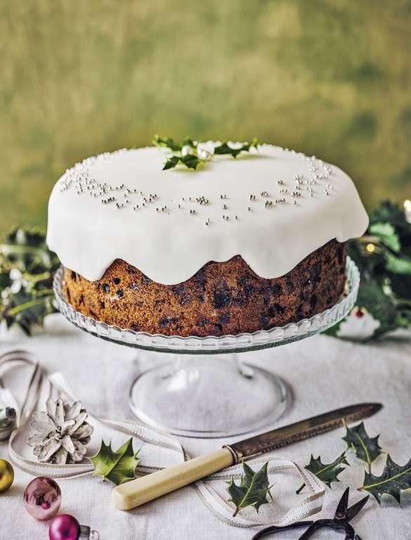 Stork Christmas Cake