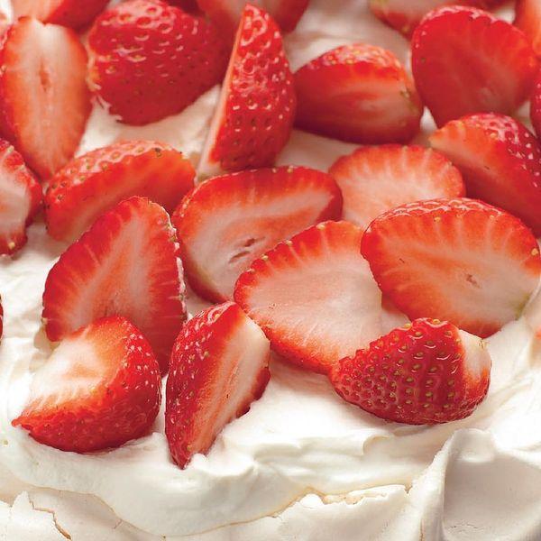 Mary Berry S Strawberry Pavlova Recipe Summer Dessert