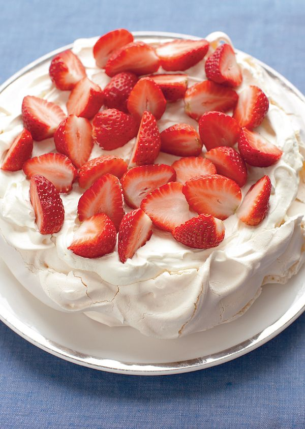 mary strawberry pavlova