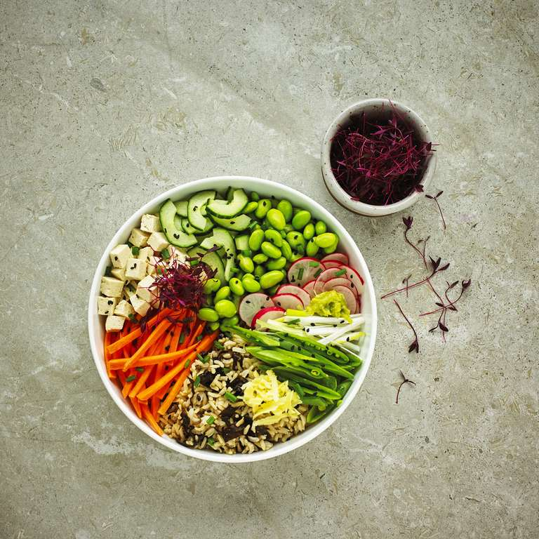 Sushi Buddha bowl with nori