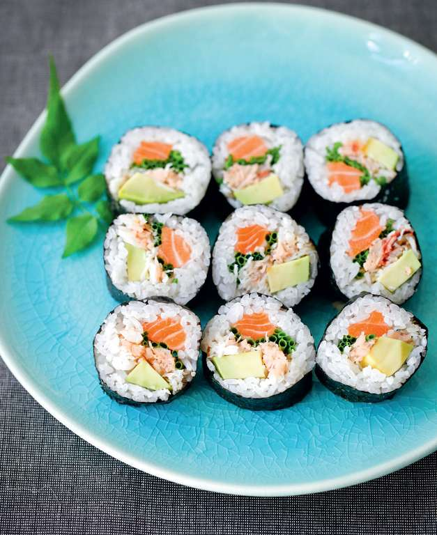 Classic Seafood Futomaki (Salmon, Crabmeat, Avocado and Chives Giant Roll)