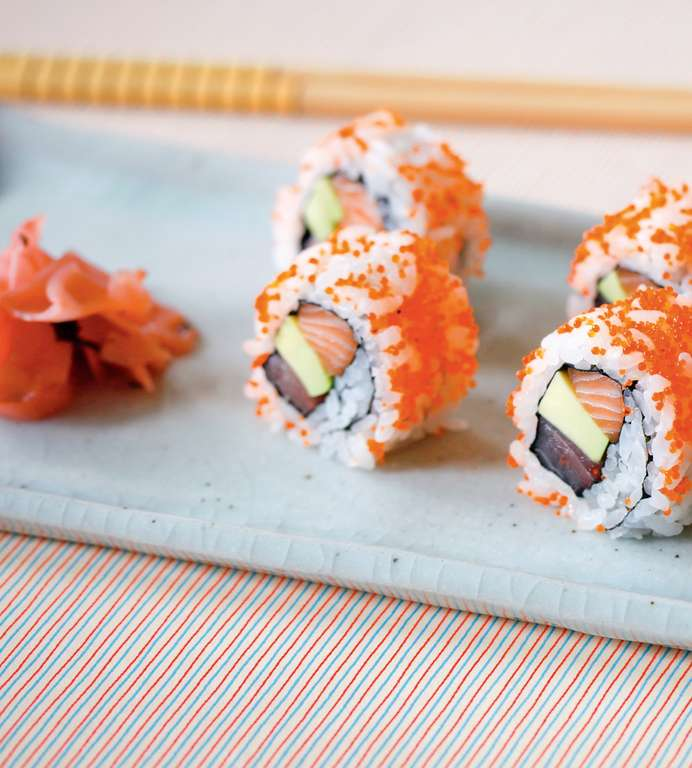 Kaisen Ura Futomaki (Tuna, Salmon and Avocado with Tobiko Giant Inside-Out Roll)