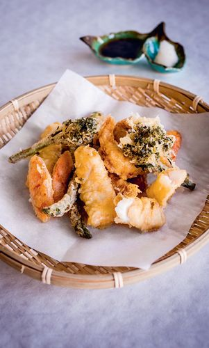 Tempura (Fried Seafood and Vegetables with Ponzu Tsuyu)
